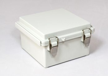 Fiberglass Box with Stainless Steel Latch PTQ-11046 closed