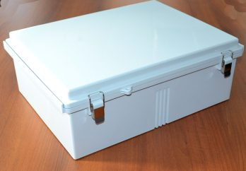 Fiberglass Box with Stainless Steel Latch PTQ-11073