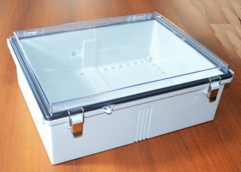 Fiberglass Box with Stainless Steel Latch and Clear Cover PTQ-11073-C closed